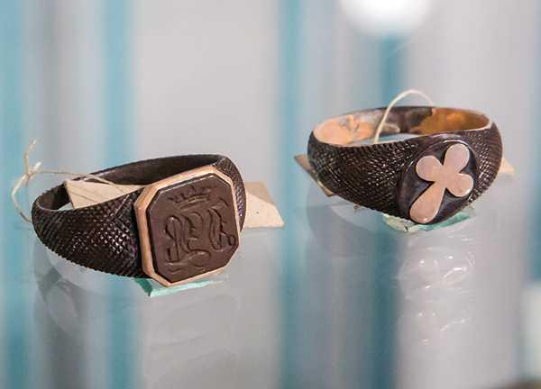 Изображение к статье «Скованные одной цепью…»: какие украшения из кандального железа носили жены декабристов На Иркутскинформ