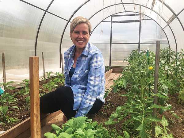 Изображение к статье Пак-чой — привет из Азии: жительница Братска Елена Кутергина выращивает необычную капусту На Иркутскинформ