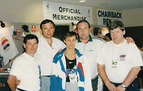 Изображение к статье В бокс пришел почти случайно: Альберт Пакеев — о своей спортивной карьере